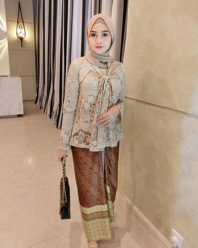 model baju kebaya modern berjilbab cantik dan modis