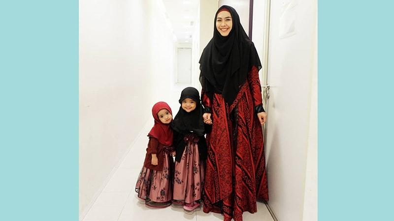 Fashion Gamis Muslimah Modern Model Gamis Batik