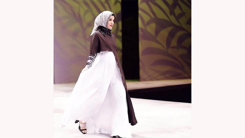 Model baju Gamis Terbaru Wanita Berhijab