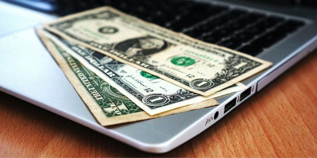 Website Sebagai Sumber Uang